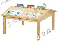 幼儿园阅览室阅读木桌