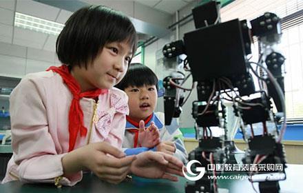 教育机器人前景可期 教育属性仍需深耕