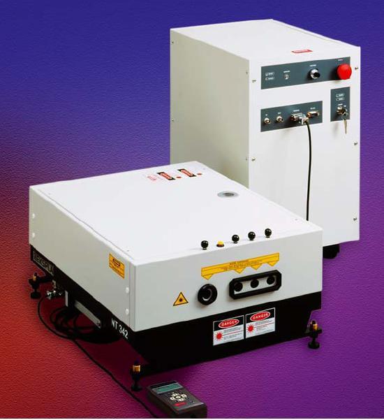 NT373 納秒紅外光學參量振蕩器和泵浦激光器系統