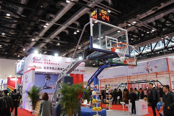 冠之路盛装亮相北京教育装备展示会